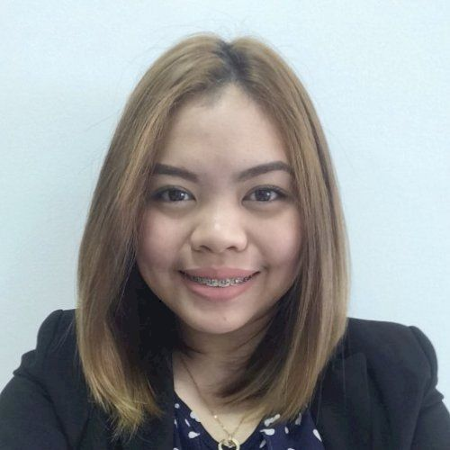 Andrea - Filipino Teacher in Dubai: I am proficient in English...