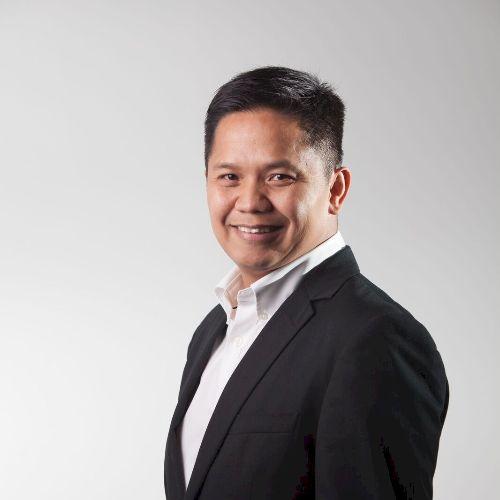 Den - Filipino Teacher in Hong Kong: A third culture kid who�...