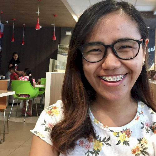 Arlin Grace - Filipino Teacher in Manila: Hi! My name is Arlin...