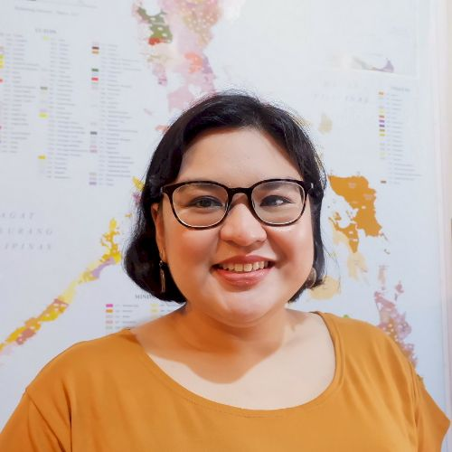 Carmela - Filipino Teacher in Manila: Hello all! I am a langua...