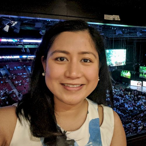 Maria - Filipino Teacher in Montreal: Hello! I'm Maria! I was ...