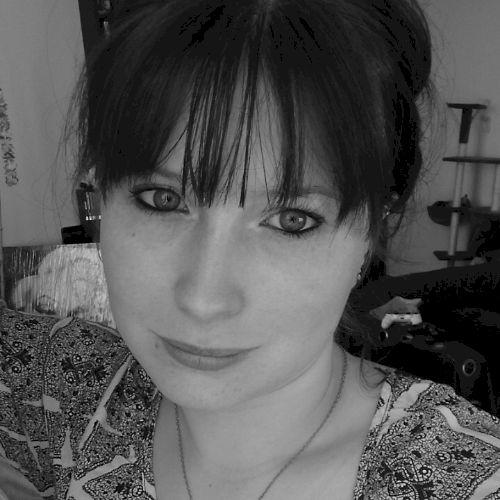 Leslie - French Teacher in Gold Coast: Hi, I'm Leslie, I'm 24 ...