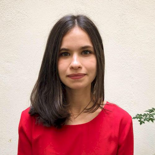 Sarah - French Teacher in City Of London: Hi, I'm Sarah. I liv...