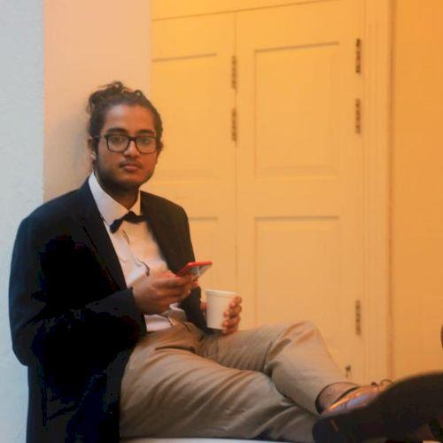 Akhilesh - French Teacher in Dubai: I am from Mauritius and I ...