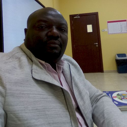 Flevious - French Teacher in Dubai: I am an experienced profes...