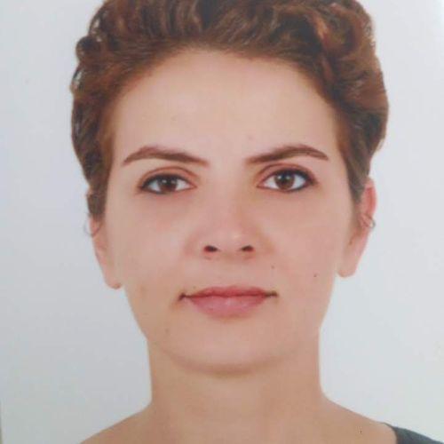 Fatma - French Teacher in Paris: I'm a PhD student in art hist...