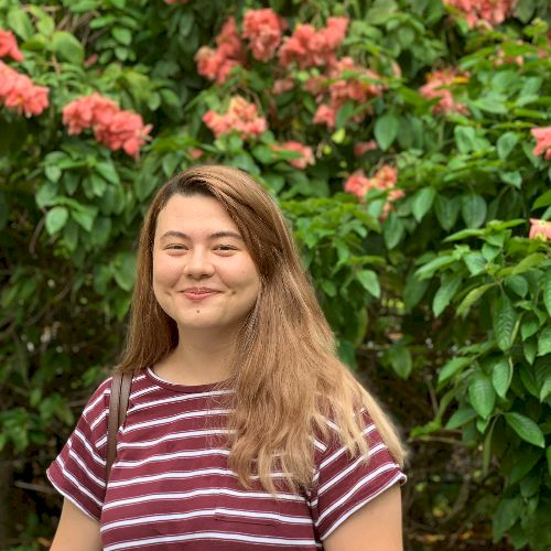 Celia - French Teacher in Singapore: Hello, I'm a native Frenc...