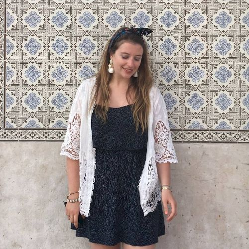Anne-laure - French Teacher in Sydney: Bonjour, I am a French ...