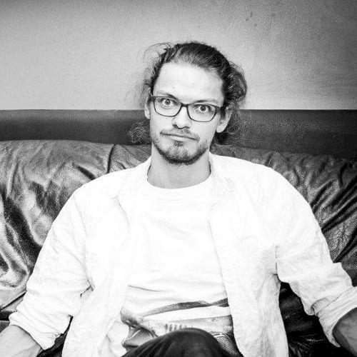 Sebastian - German Teacher in Darwin: I am a Socialworker from...
