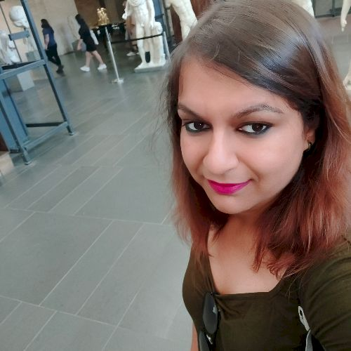Nidhi - Hindi Teacher in Adelaide: I am a qualified chartered ...