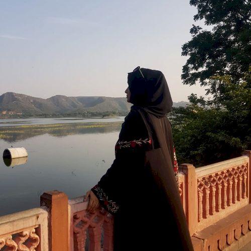 Sana - Hindi Teacher in Doha: I am a BBA Graduate. I have Expe...