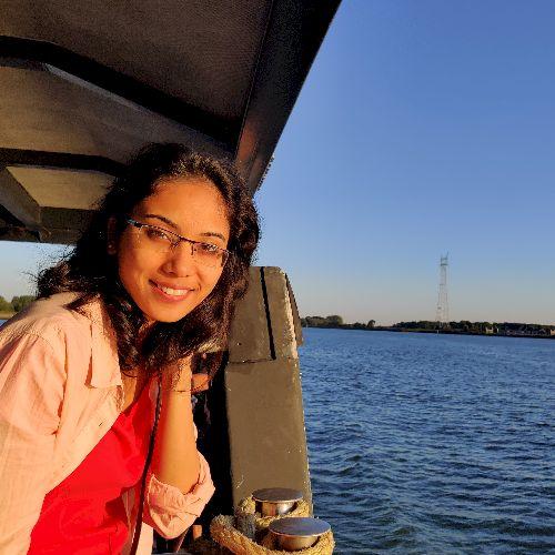 Deepshikha - Hindi Teacher in Lille: I am an Indian student st...