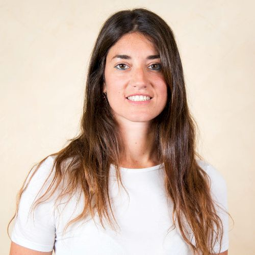 Valentina - Italian Teacher in Dubai: Italian teacher with mor...