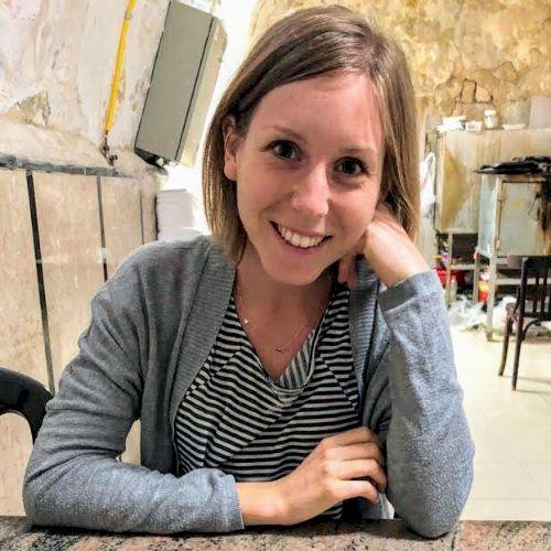 Laura - Italian Teacher in Frankfurt am Main: My name's Laur...