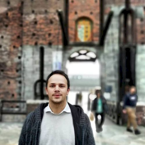 Massimo - Istanbul: I'm Massimo, recently moved back to Istanb...