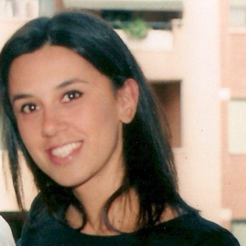 Annalisa - Italian Teacher in Paris: Hi! I am living in Paris ...