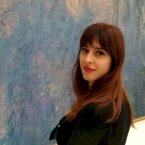 Elena - Italian Teacher in Paris: Ciao a tutti! Sono un'archeo...
