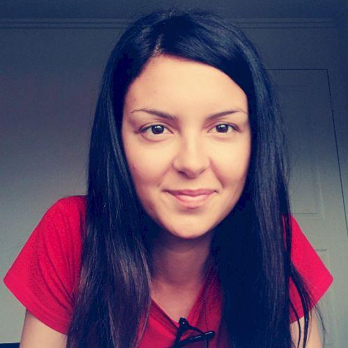 Rosachiara - Italian Teacher in Perth: Hello everybody! My nam...