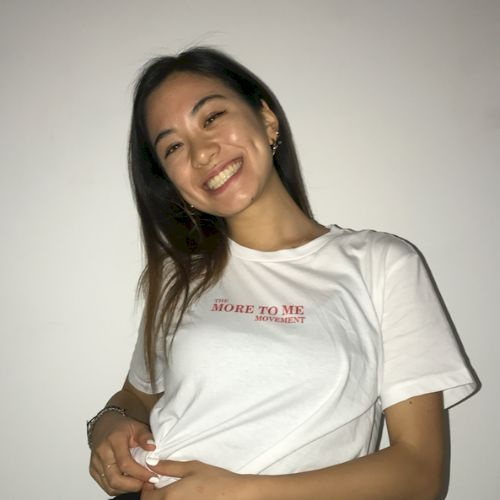 Hana - Japanese Teacher in Gold Coast: Hi! My name is Hana and...