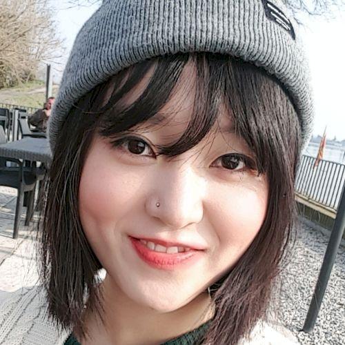 Haengseon - Korean Teacher in City of London: Hi guys! I've be...