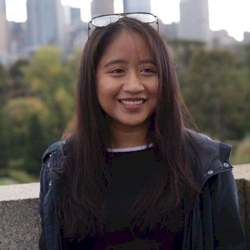 Nik Nadiya Farisha - Melbourne: Hi there! My name is Nadiya, o...