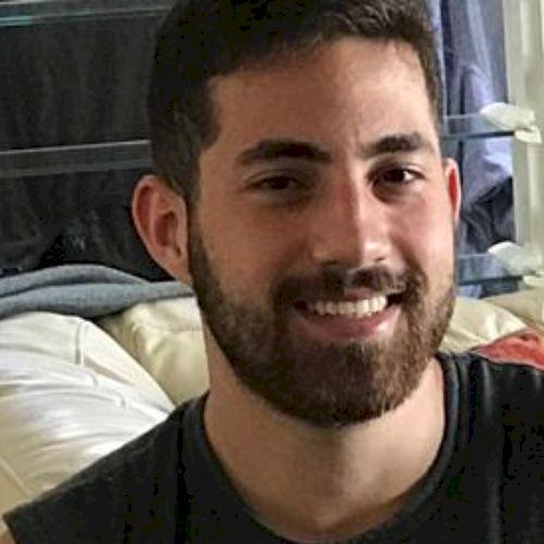 Raphael - Portuguese Teacher in Brisbane: I am a Brazilian stu...