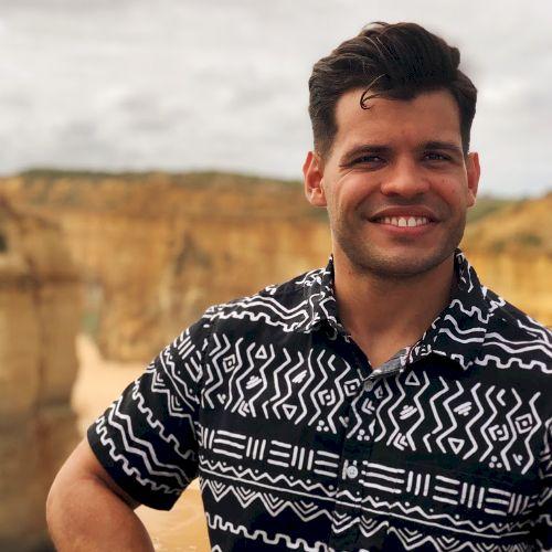 Rafael - Portuguese Teacher in Melbourne: Hello! I'm Rafael,...