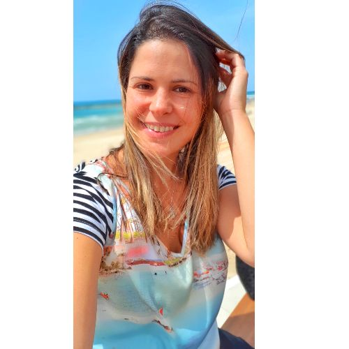 Mariana - Portuguese Teacher in Tel Aviv: I'm Brazilia AND Car...