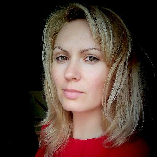 Oksana - Russian Teacher in Auckland: Hi! My name is Oksana. ...