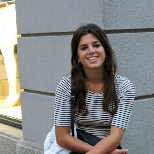 Paula - Spanish Teacher in Amsterdam: From Barcelona, 23 yo. I...