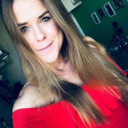 Paulina - Berlin: Hi, my name is Paulina. I am a native from M...