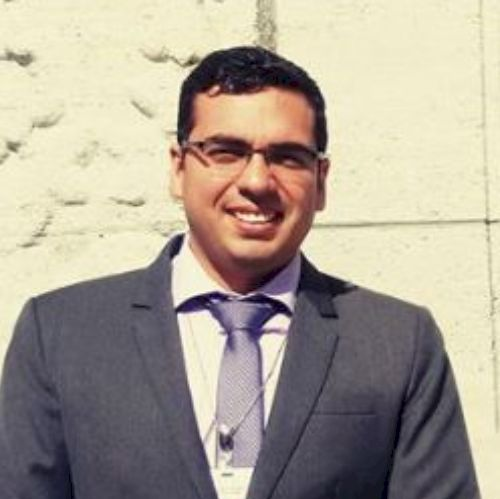 Arturo - Brisbane: Professional, social and funny. I am Arturo...