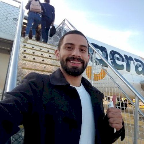 Juan - Spanish Teacher in Melbourne: Hi, I'm Juan and Spanish ...