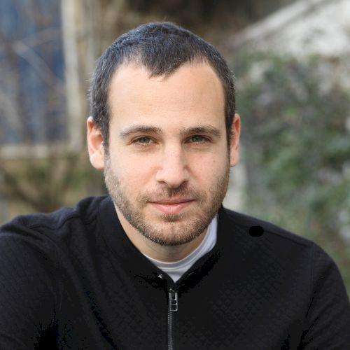 Eitan - Spanish Teacher in Tel Aviv: Hi, how are you? I was bo...