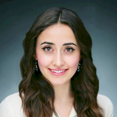 Beril - Turkish Teacher in Dubai: HeLLo, my name is Beril from...