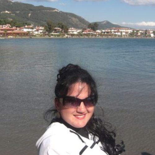 Suzan - Turkish Teacher in Istanbul: Im Turkish/English author...