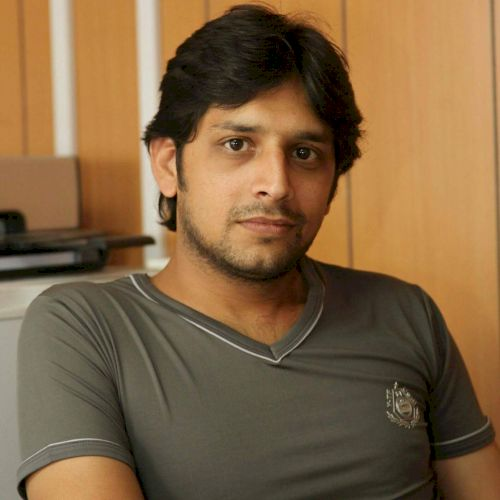 Ibrahim - Urdu Teacher in Dubai: Hi, I'm Ibrahim from Pakistan...