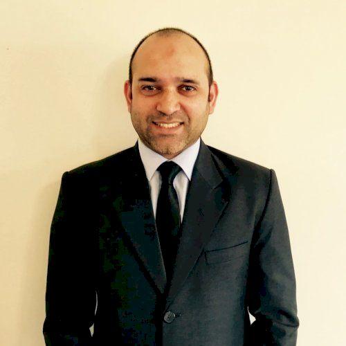 Yaser - Melbourne: Hi, I'm Yaser, an IT Professional living in...