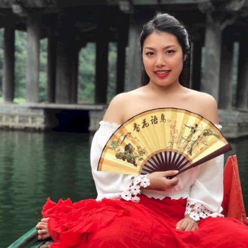 Hoa - Vietnamese Teacher in Melbourne: Hi everyone. My name is...