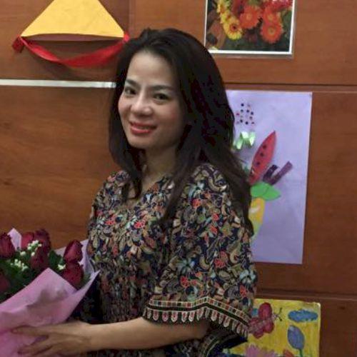 Hoang - Vietnamese Teacher in Singapore: I love languages e...