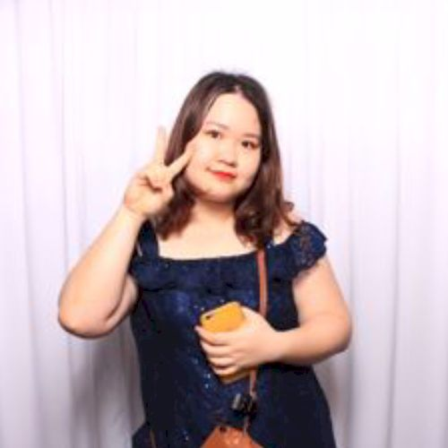 Elizabeth - Vietnamese Teacher in Sydney: My name is Elizabeth...