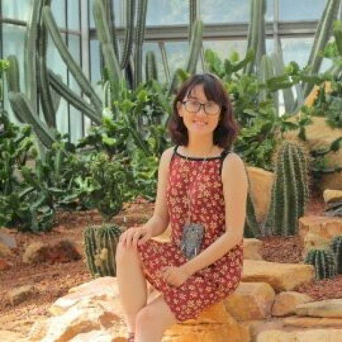 Truc - Vietnamese Teacher in Wellington: Hello! I am Truc from...