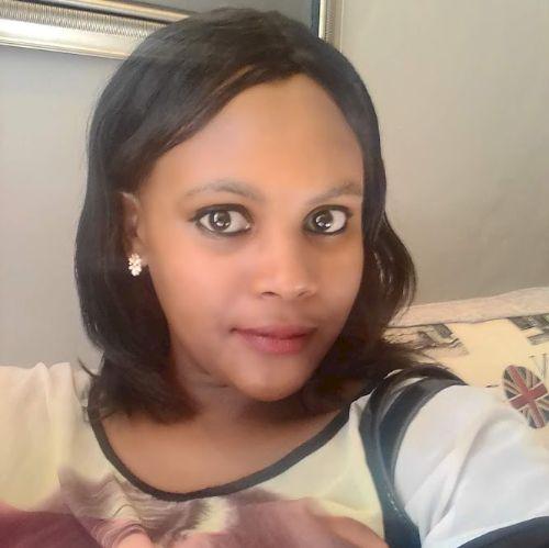 Sinazo - Xhosa Teacher in Cape Town: I am a presentable woman....