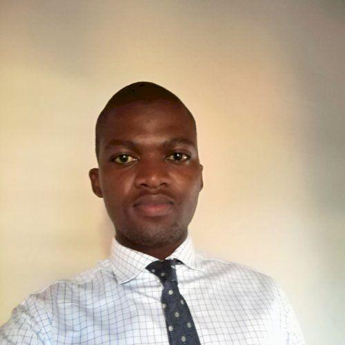Lwazi - English Teacher in Cape Town: Hi! My name is Lwazi  fr...