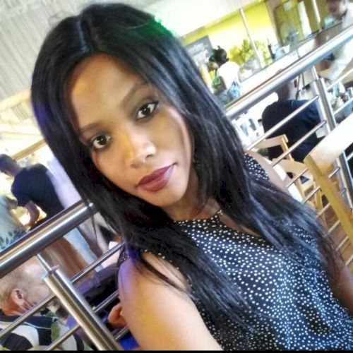 Sindisiwe - Zulu Teacher in Johannesburg: Currently an apprent...