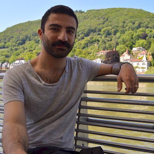 Özü - Geneva: Hello there! I am a Painter, an art teacher, a...