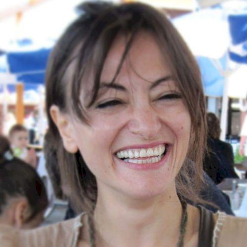 İrem - Turkish Teacher in Istanbul: Hello everyone! My name i...