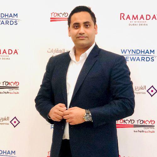 Aamir - Hindi Teacher in Dubai: Well I'm. Aamir 30 years old...