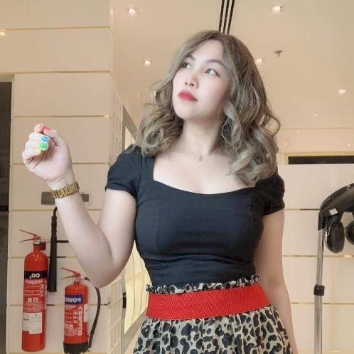 Aileen - Al Ain: I am former an English teacher at Korean Acad...
