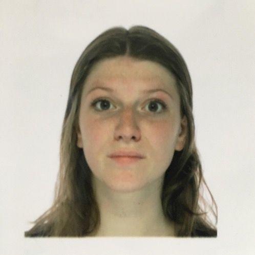 Aimée - Dutch Teacher in Berlin: I'm a 23 year old student fr...